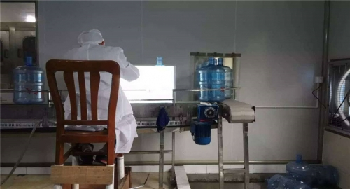 桶装水生产设备展示
